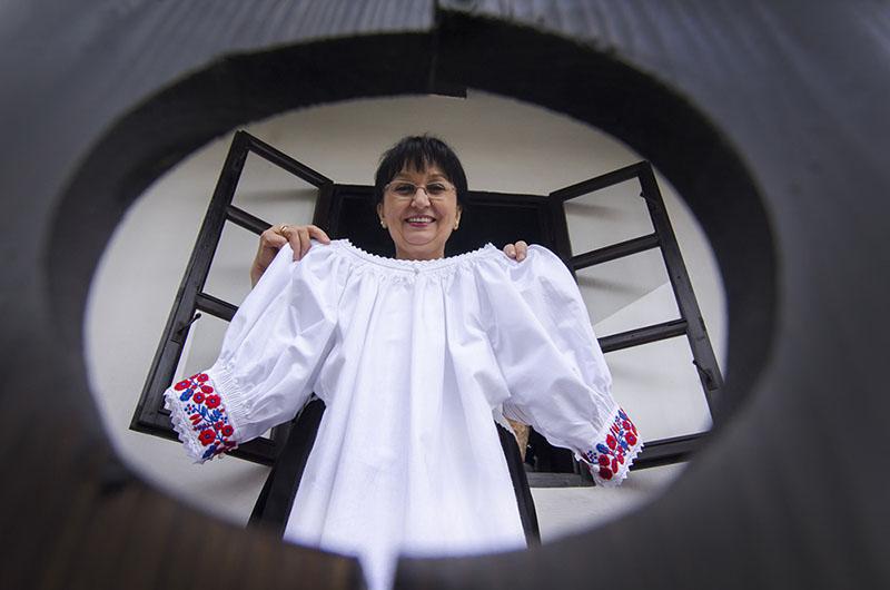 Palóc viselet | Fehér Jánosné, a Népművészet mestere, Csokonai-díjas népi iparművész
