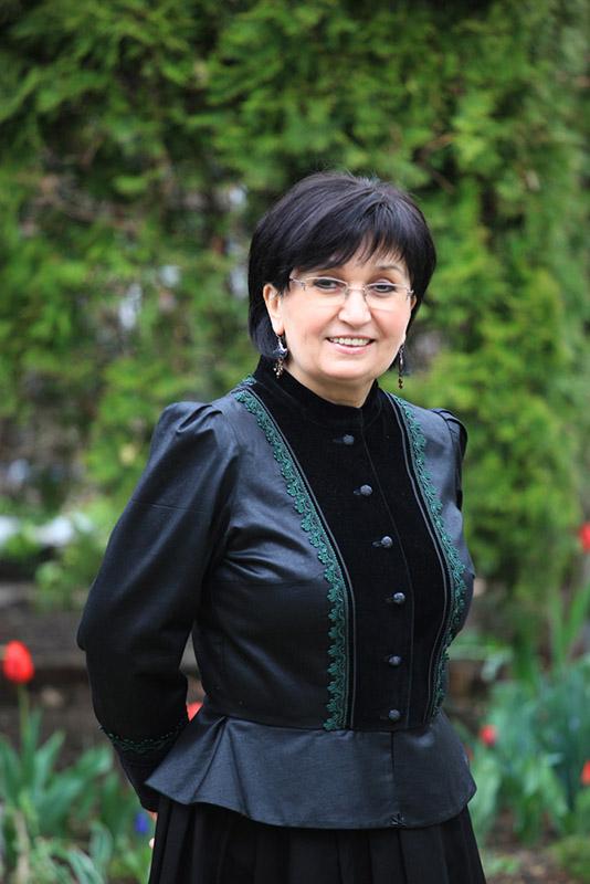 Fehér Jánosné, a Népművészet mestere, Csokonai-díjas népi iparművész Fotó: Sárközy György